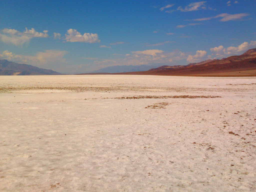Death-Valley-Badwater-Basin-in-Amerika