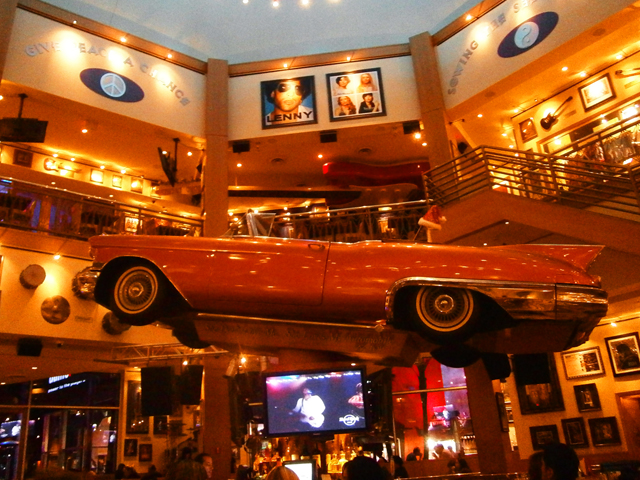 Eten-Universal-Studios-Hollywood-Citiwalk-Hard-Rock-Cafe