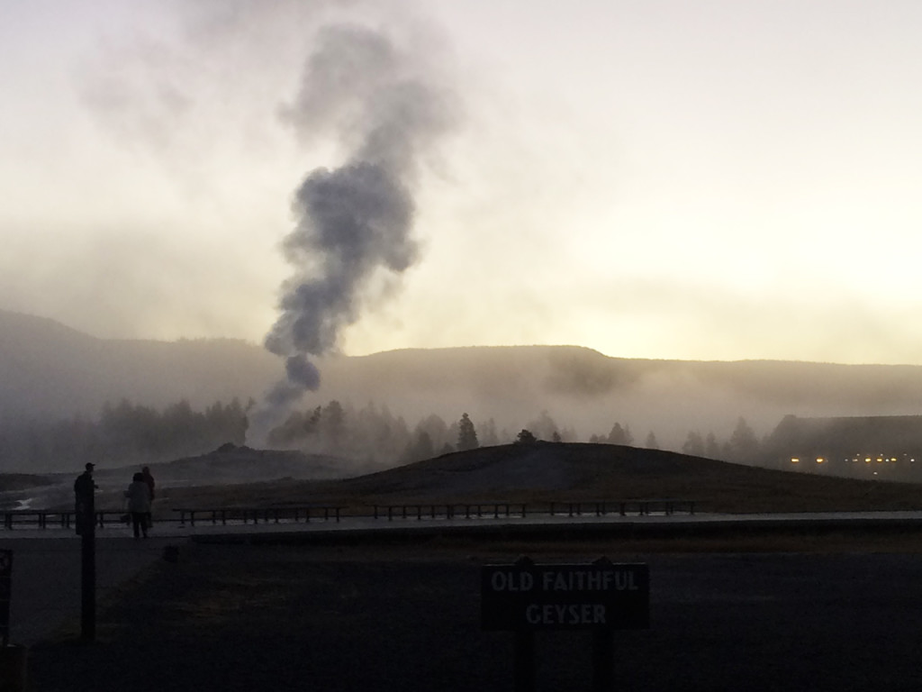 old-faithful-geyser