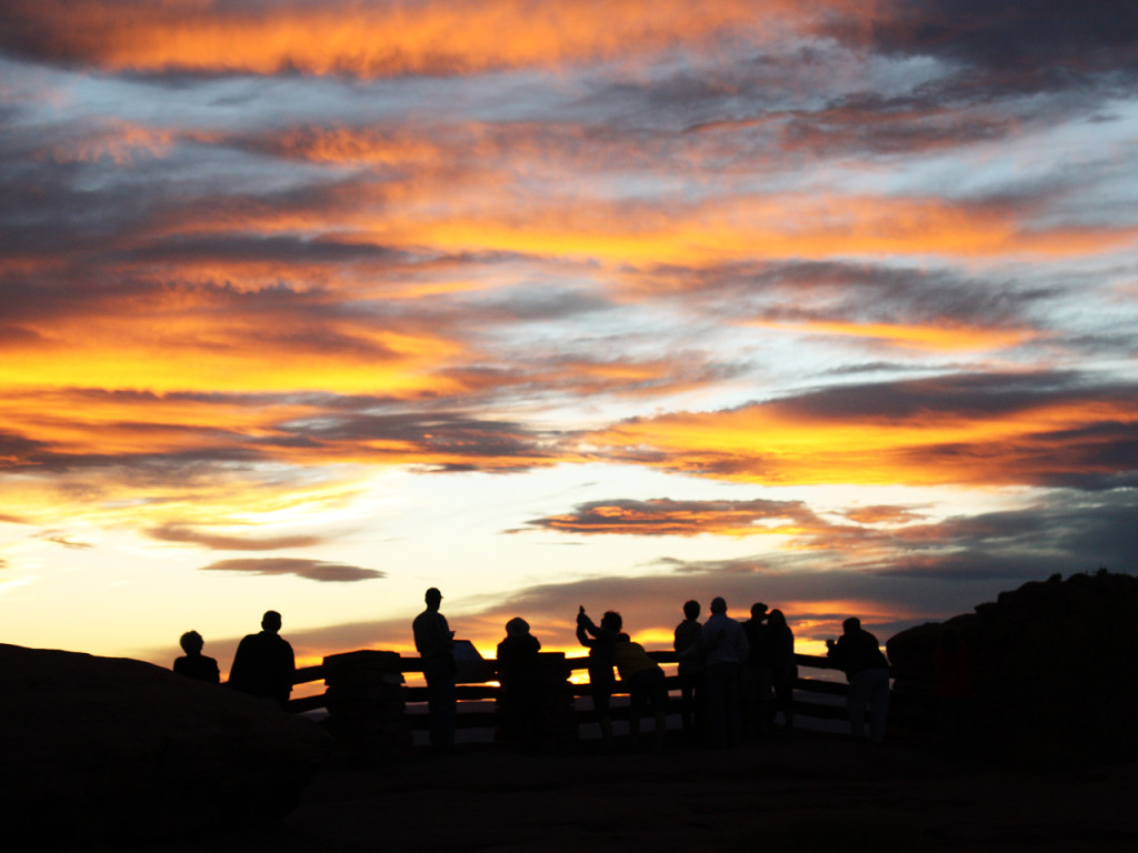 sunset-green-river-overlook-canyonlands-national-park