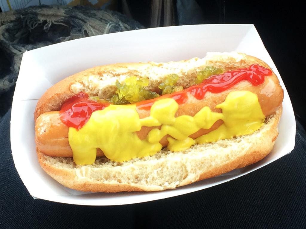 hotdog-eten-in-amerika
