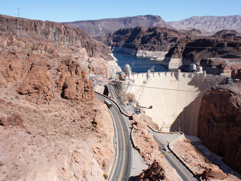 view-hoover-dam-from-bridge