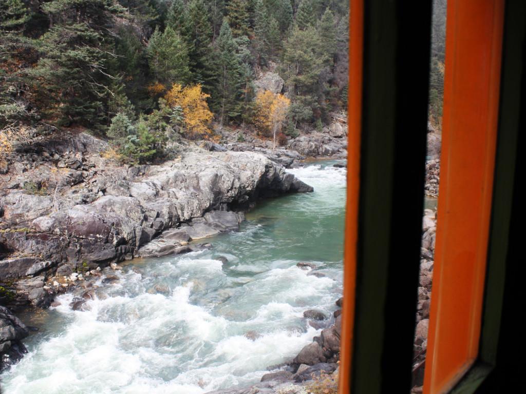 Uitzicht-vanuit-de-trein