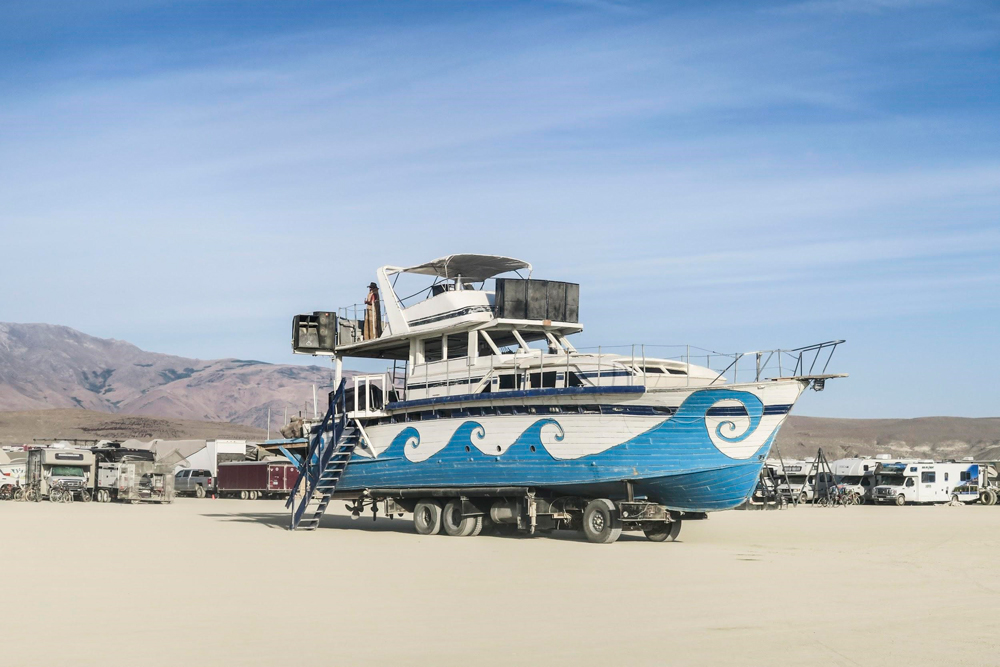 Burning-Man-USA-Art-Car-Ship