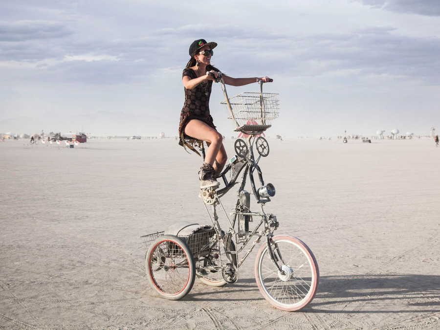 Burning-Man-USA-Playa-bicycle