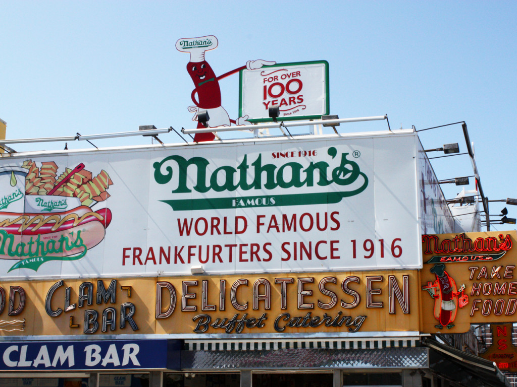 Coney-Island-Hot-Dogs-New-York