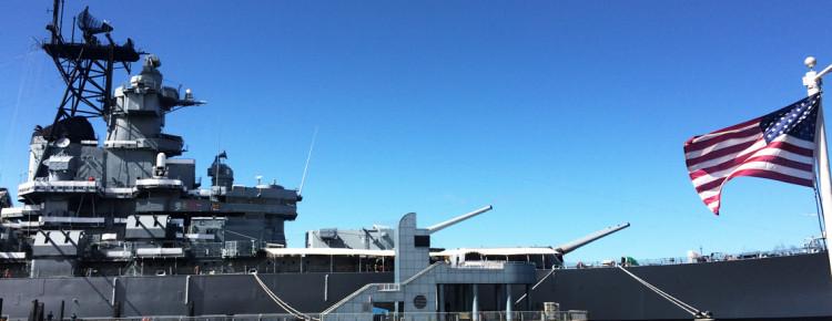 Bezoek-Amerikaans-slagschip-Battleship-New-Jersey