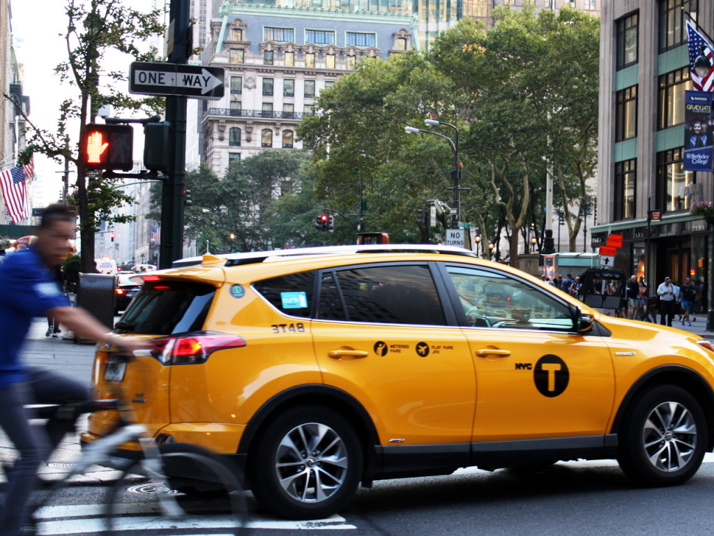 Met-de-taxi-in-New-York-Amerika-blog