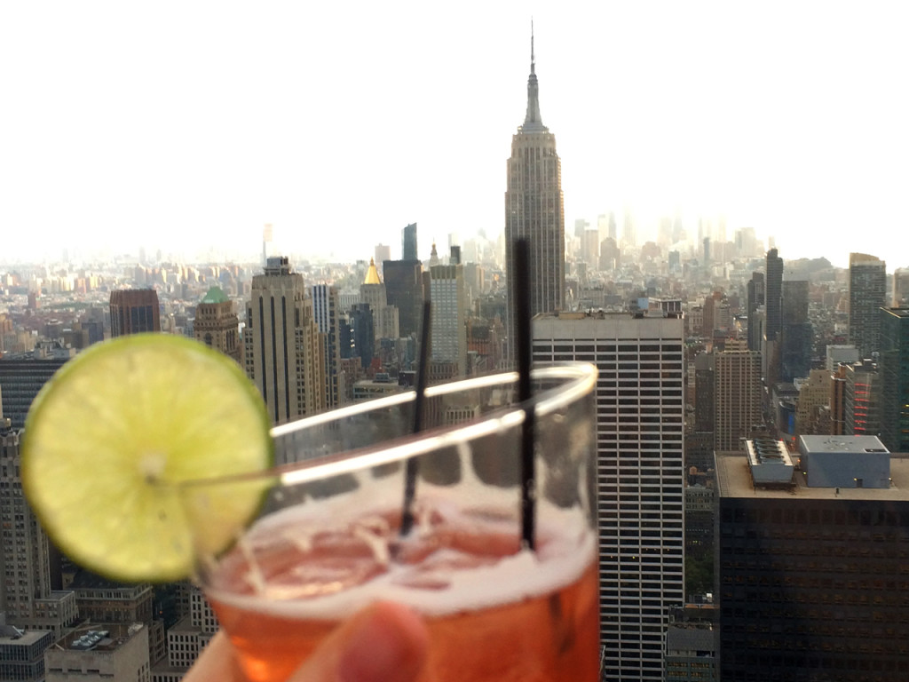 New-York-drinks-and-view-bar-65-Stripesandstars