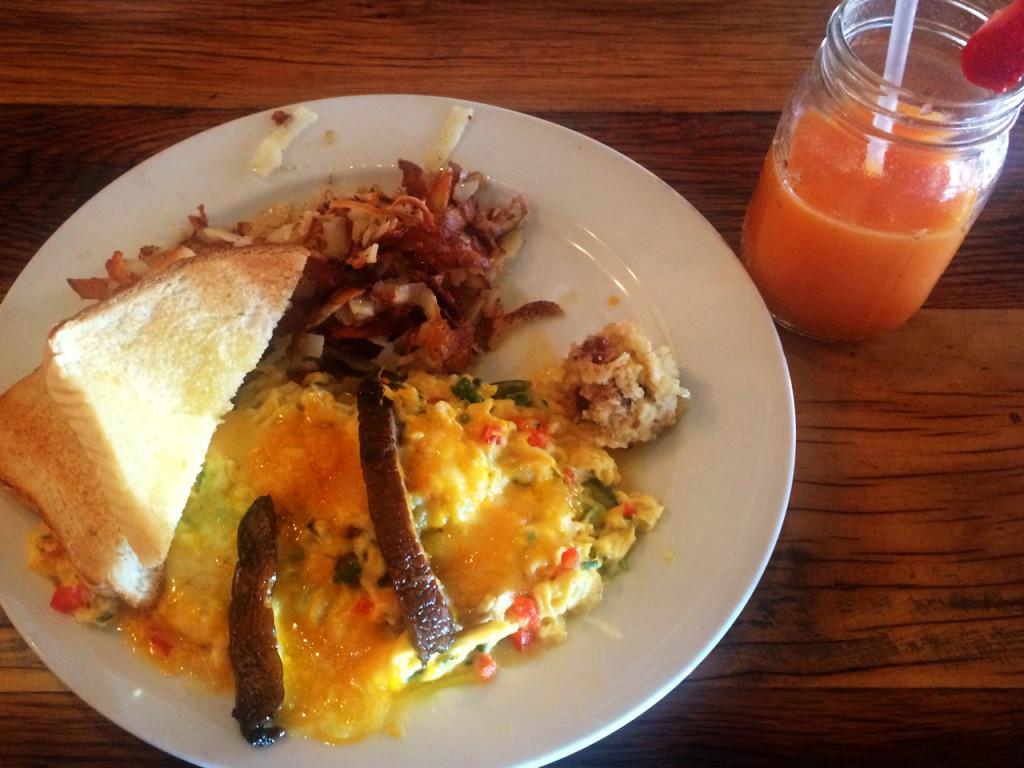 Omelet-Crockett's-Breakfast-camp-ontbijt-Amerika