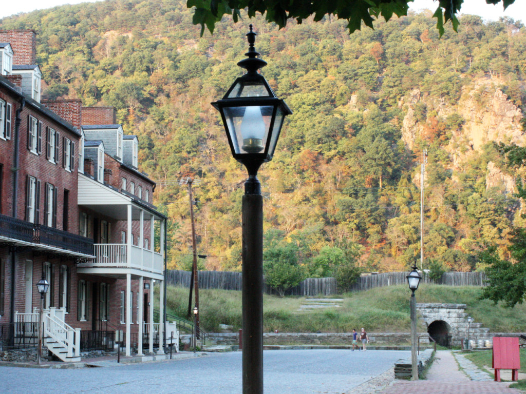 Harpers-ferry-mountains-autumn-colors