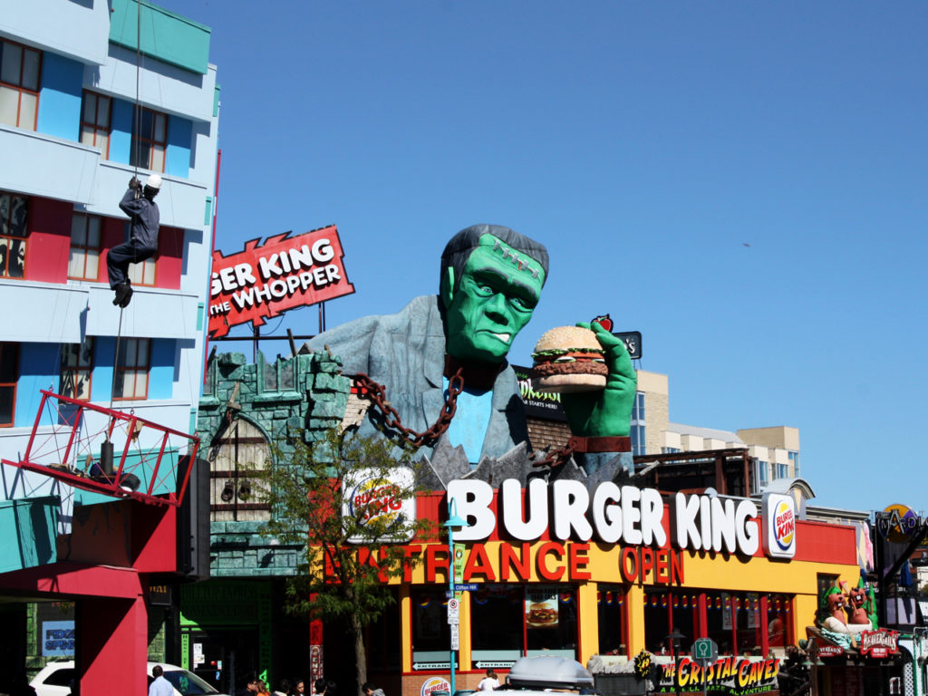 Clifton-Hill-Burger-King-Niagara-Falls