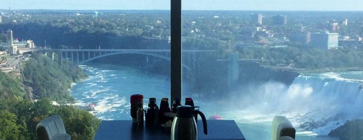 eetdagboek-mooiste-uitzicht-eten-Niagara-Falls