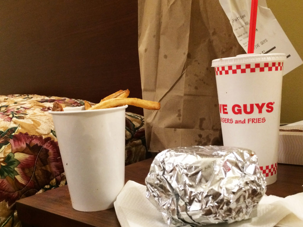 Five-Guys-in-Amerika-eten-en-drinken