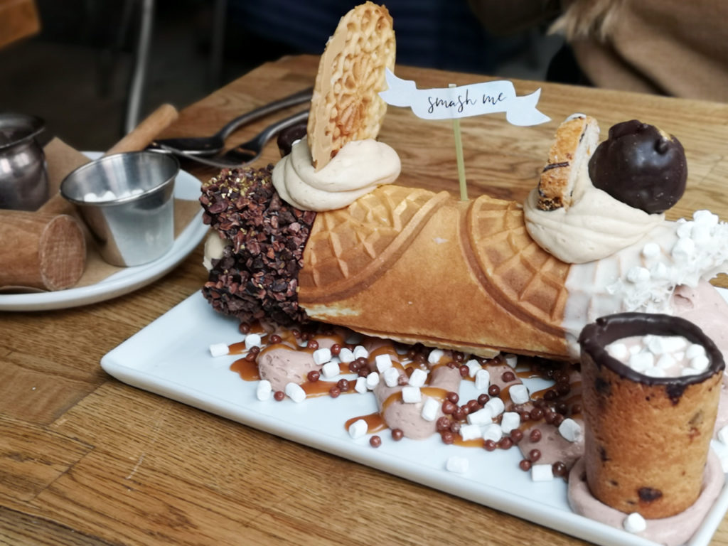 Gelso-and-Grand-cannoli-in-New-York