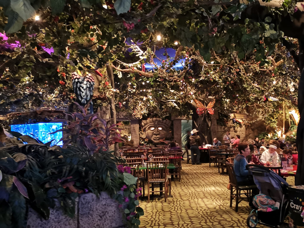 Rainforest-Cafe-Nashville-Interior