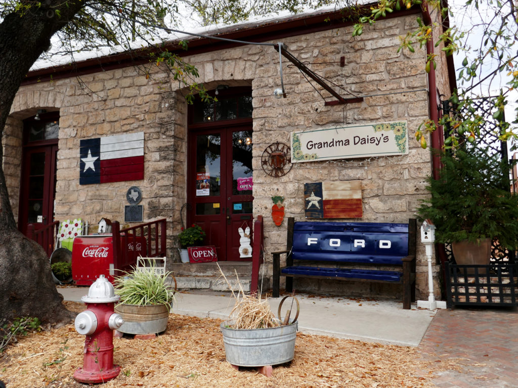 Shop-in-Texas-Fredricksburg