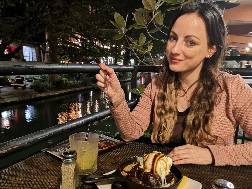 diner-at-the-River-Walk-Saltgrass-steakhouse