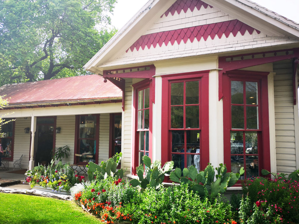 red-white-gruene-Texas-house