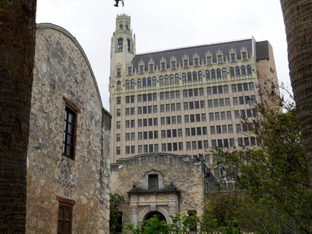 Alamo-building