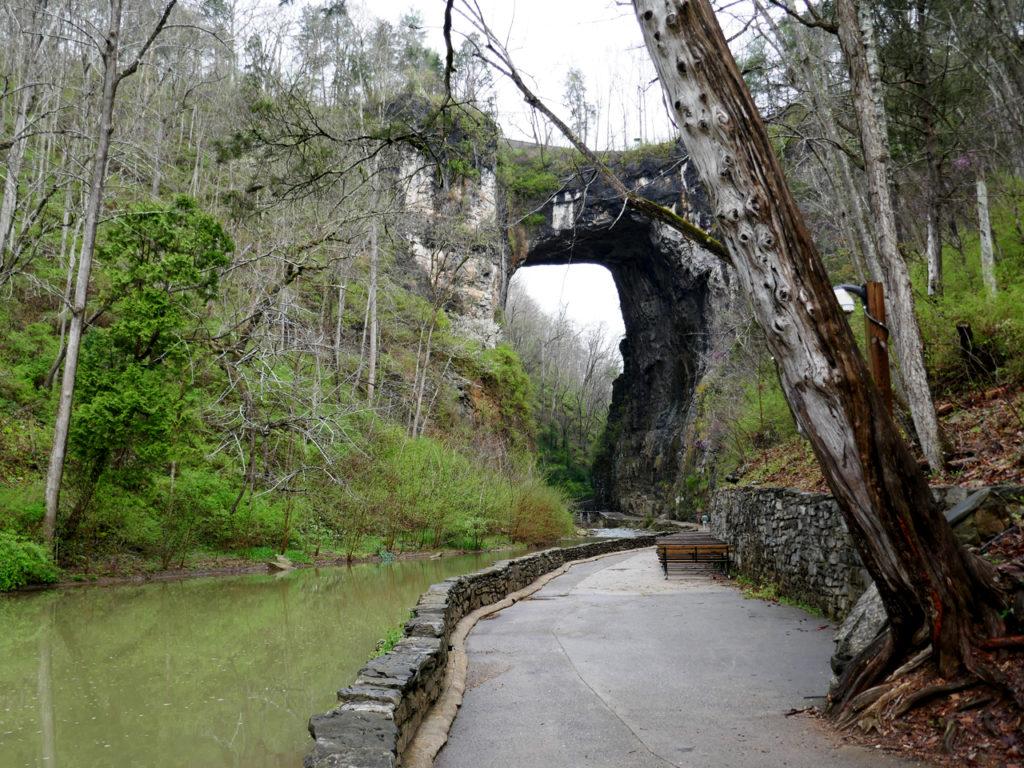 Natural Bridge State Park in Amerika Natural Bridge bezoeken