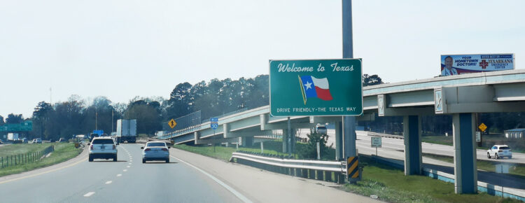 Welcome-to-Texas sign roadtrip